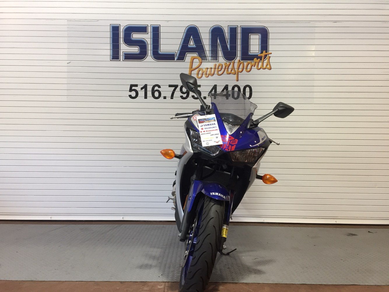 2015 Yamaha YZF-R3 in Massapequa, New York - Photo 2