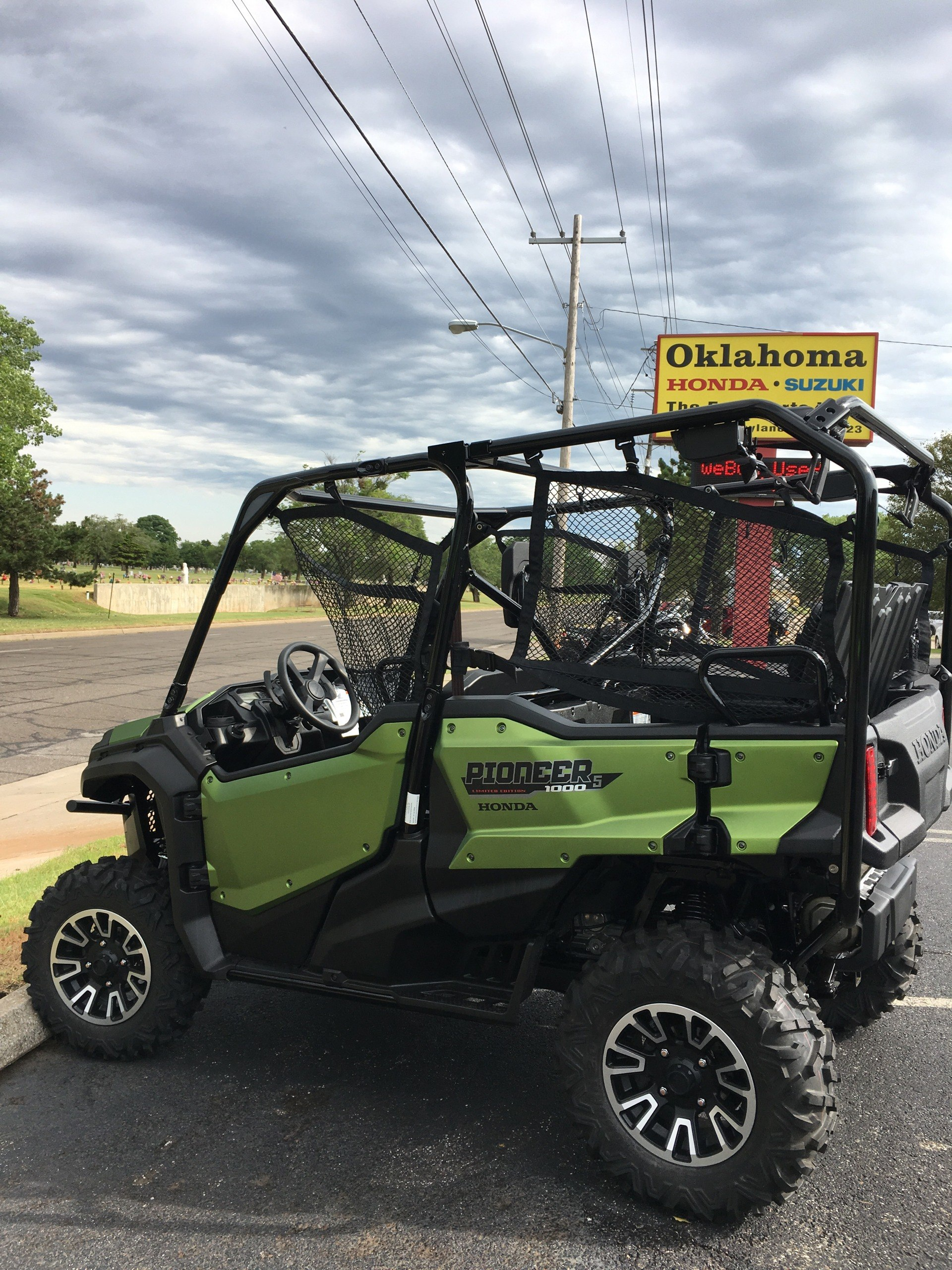2020 Honda Pioneer 1000-5 Deluxe in Del City, Oklahoma - Photo 2