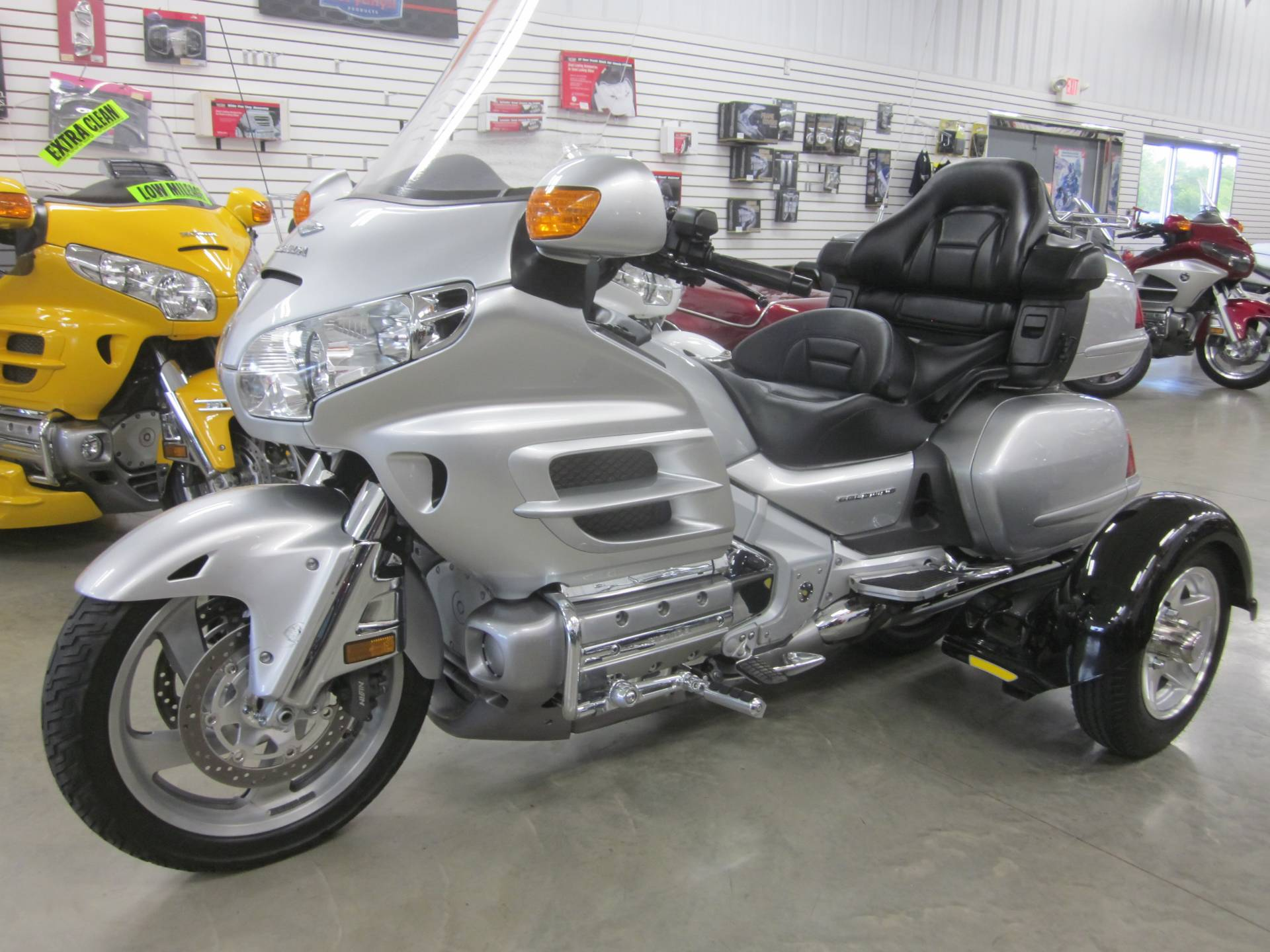 2005 Tow-Pac Gold Wing in Lima, Ohio - Photo 2