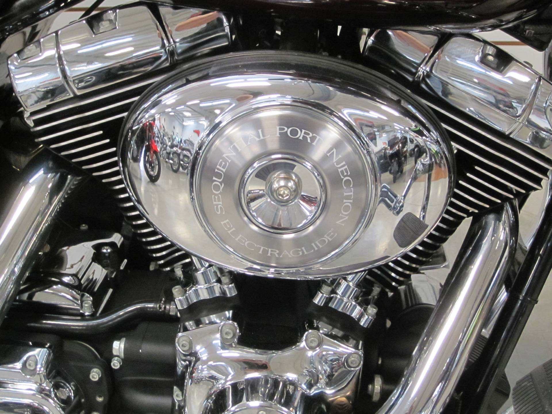 2005 Harley Davidson Ultra Glide Classic in Lima, Ohio - Photo 4
