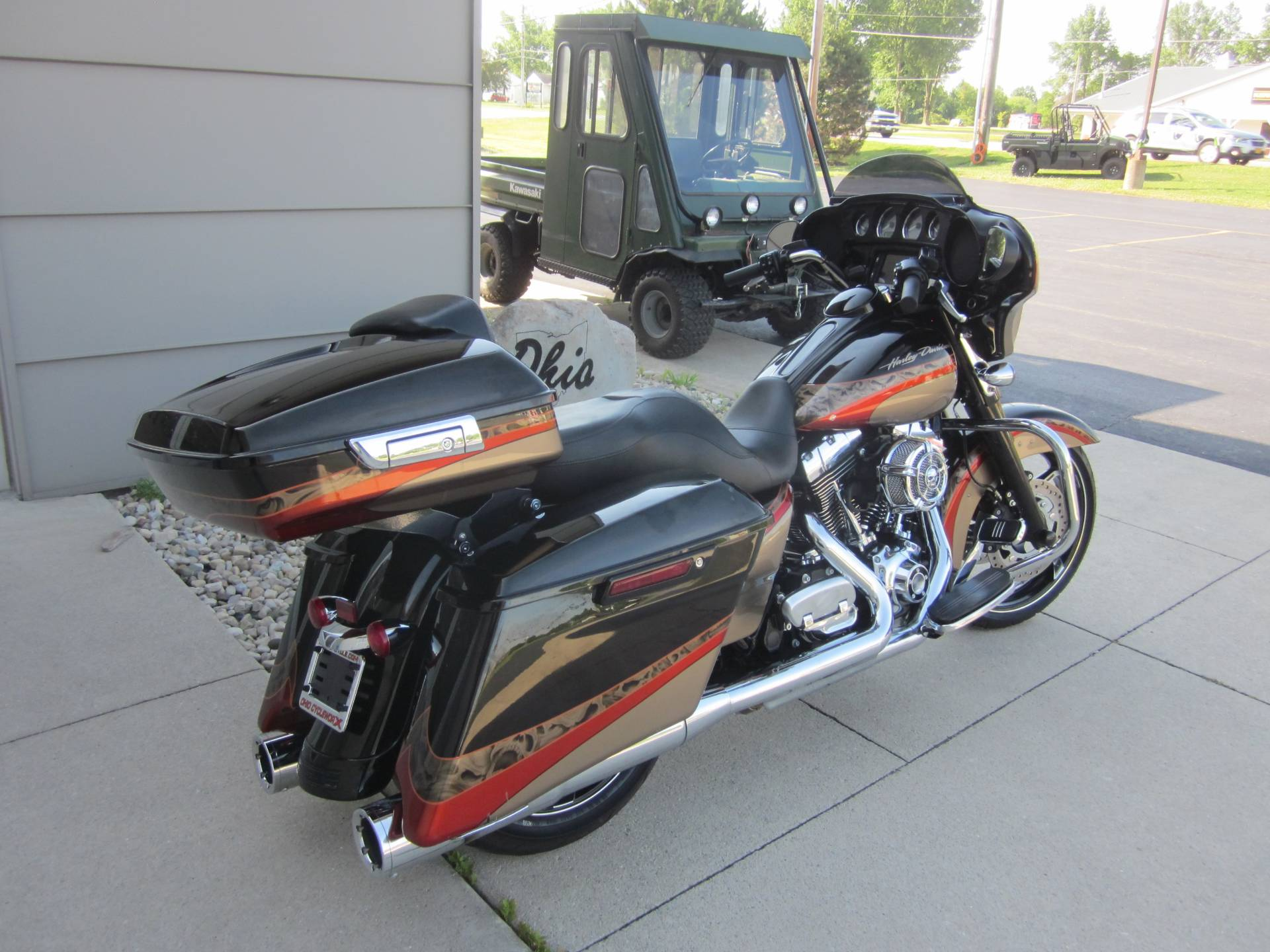2016 Harley Davidson Street Glide in Lima, Ohio - Photo 3