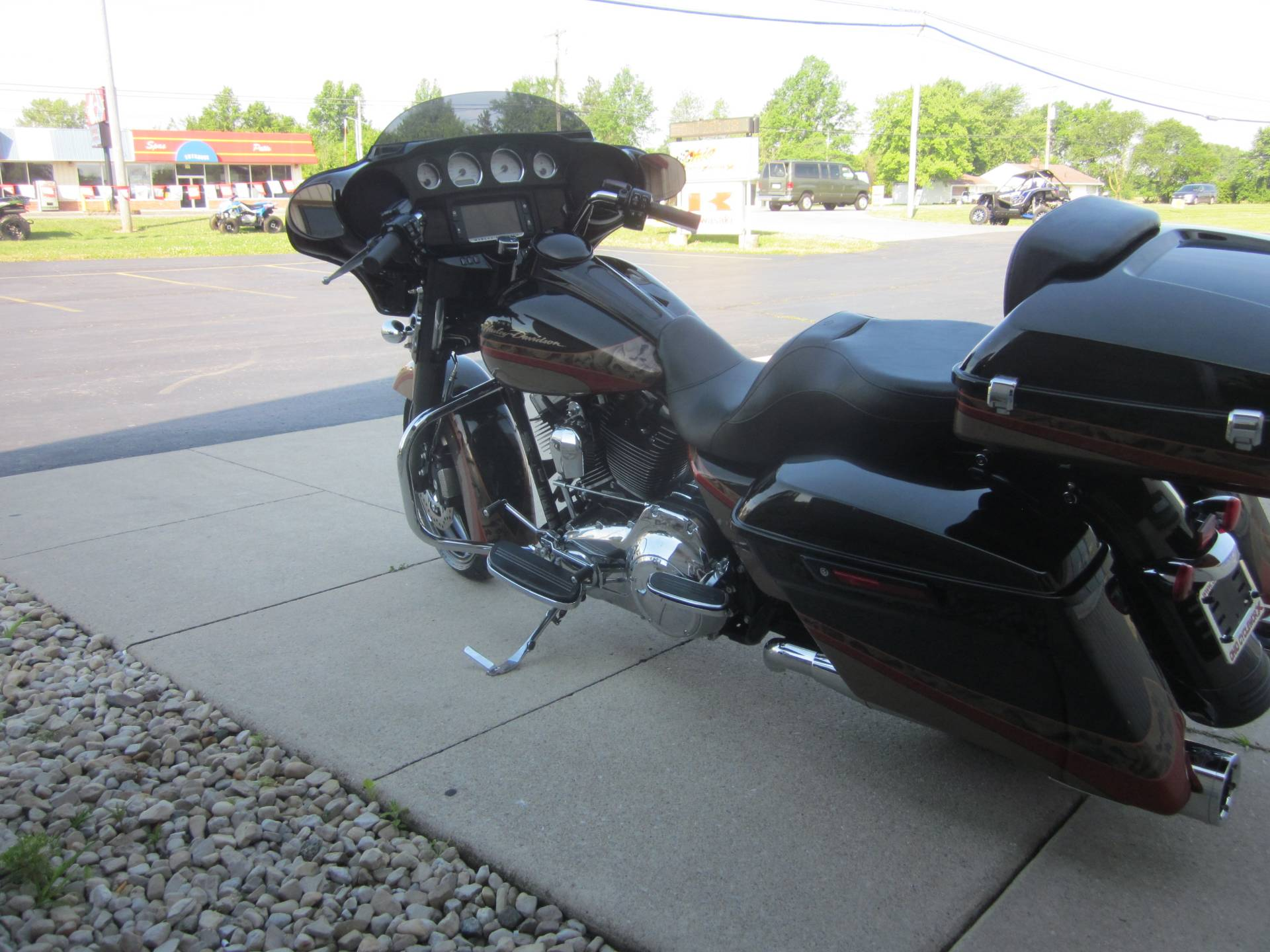 2016 Harley Davidson Street Glide in Lima, Ohio - Photo 6
