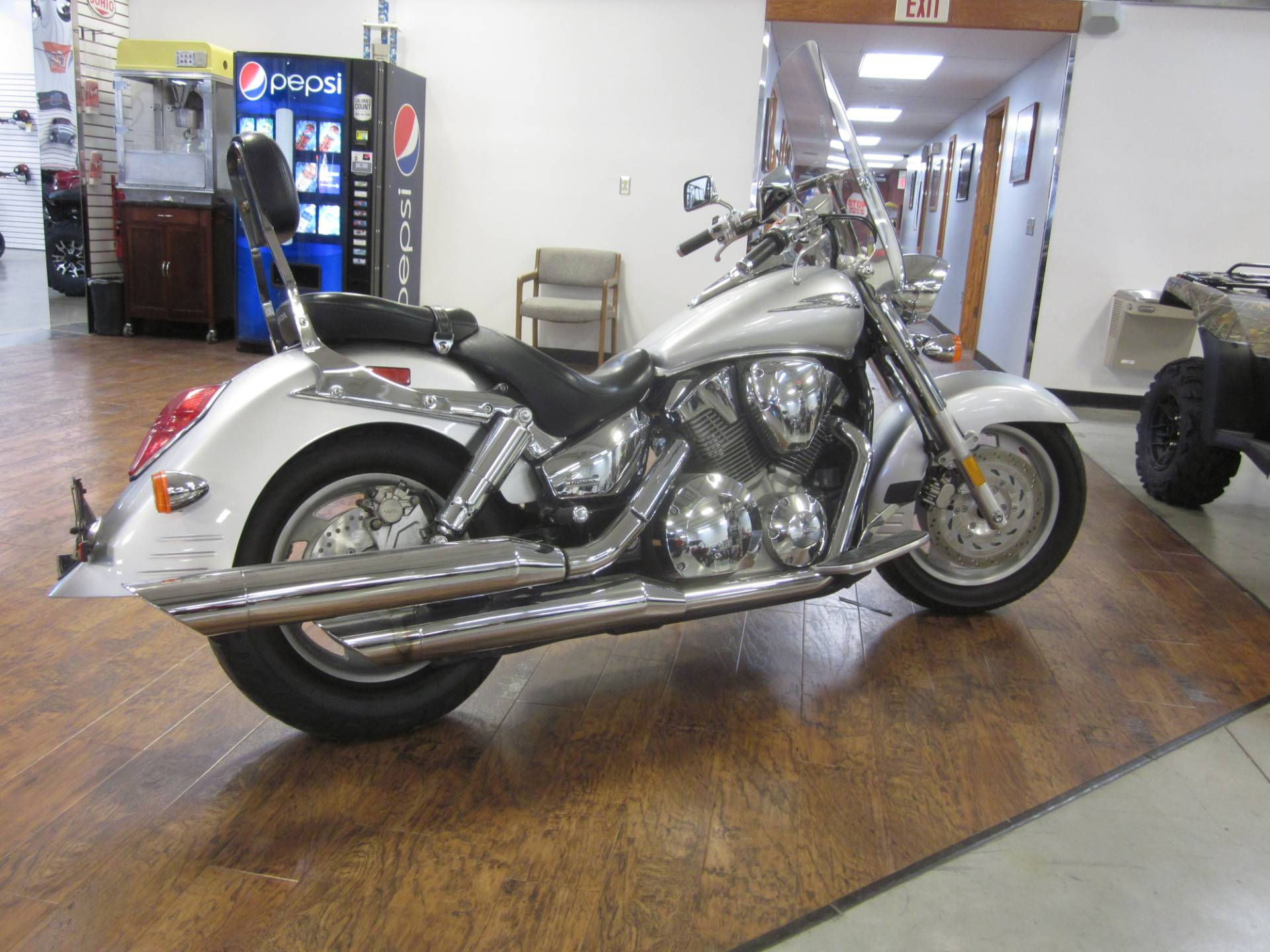 2006 Honda VTX™1300R (VT1300R) in Lima, Ohio - Photo 3