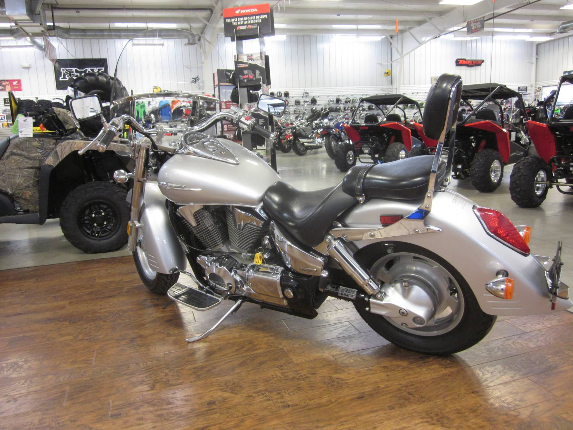 2006 Honda VTX™1300R (VT1300R) in Lima, Ohio - Photo 6