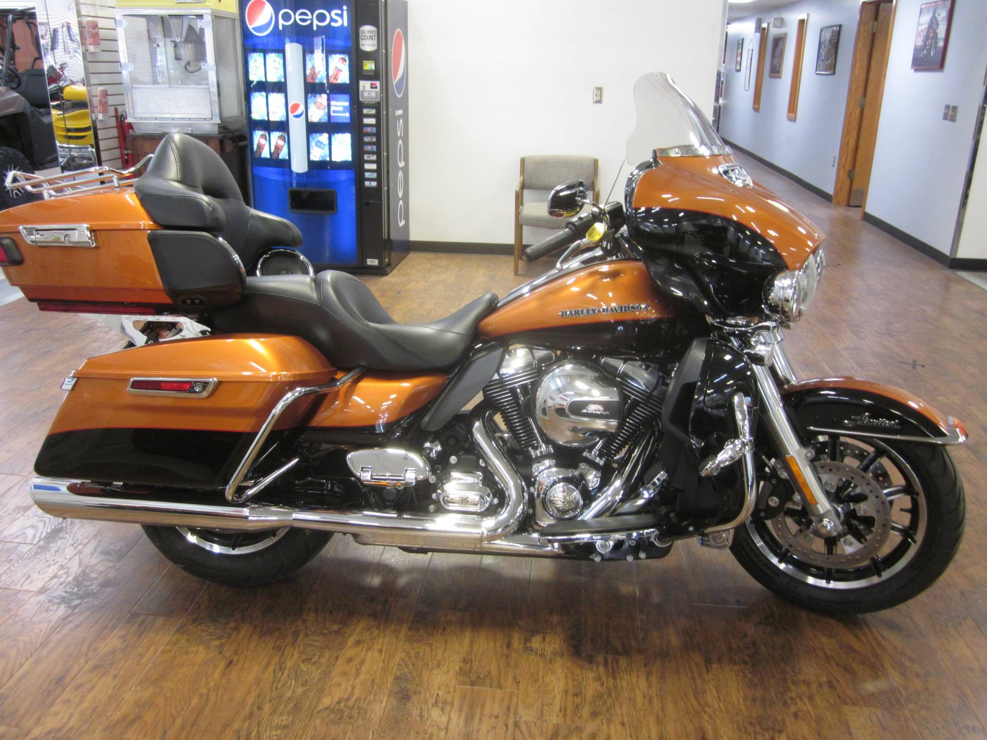 2014 Harley Davidson Ultra Limited in Lima, Ohio - Photo 2