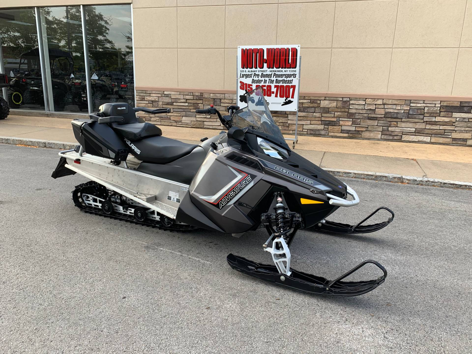 2019 Polaris 550 INDY Adventure 144 ES in Herkimer, New York - Photo 2