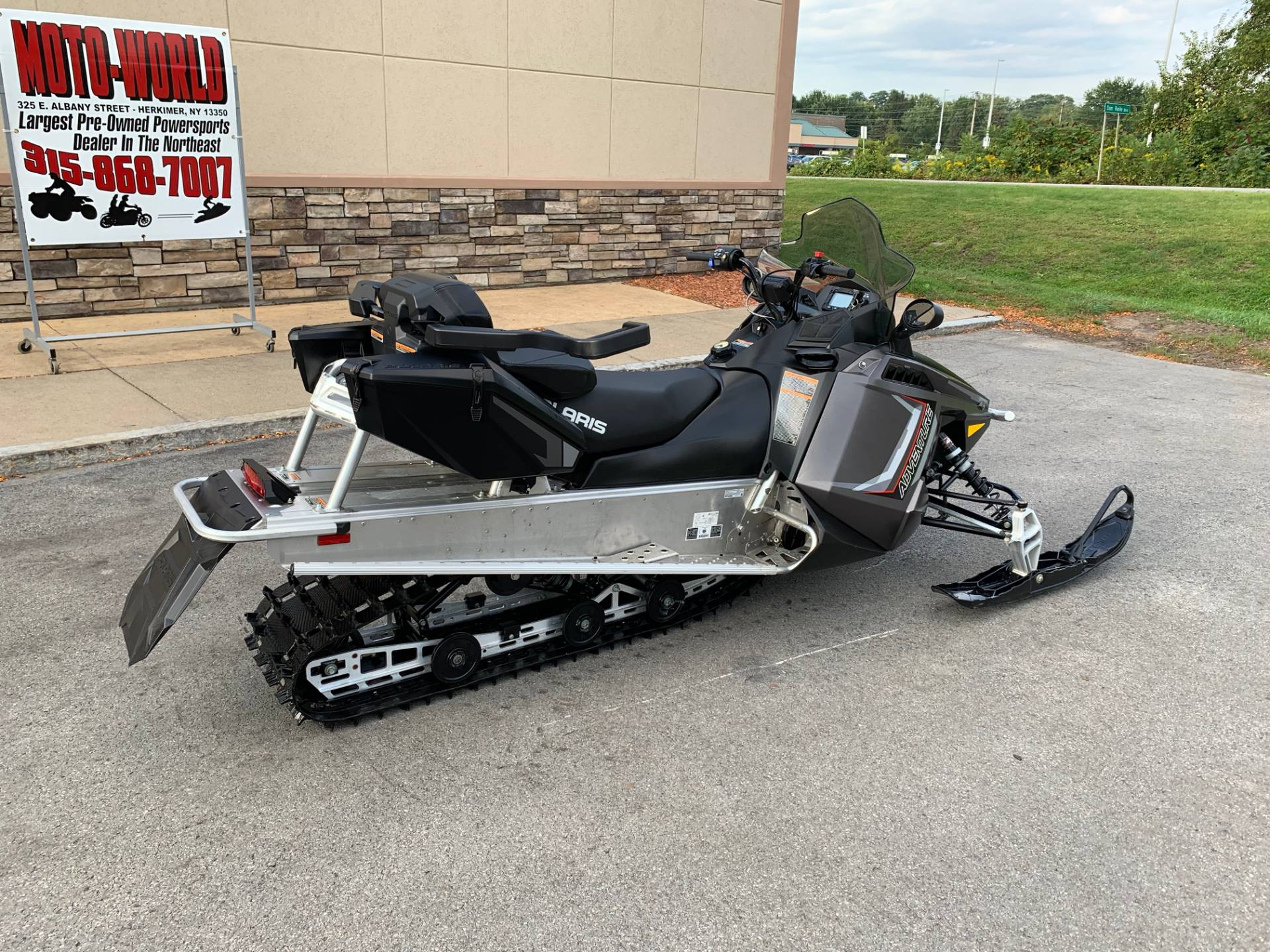 2019 Polaris 550 INDY Adventure 144 ES in Herkimer, New York - Photo 4