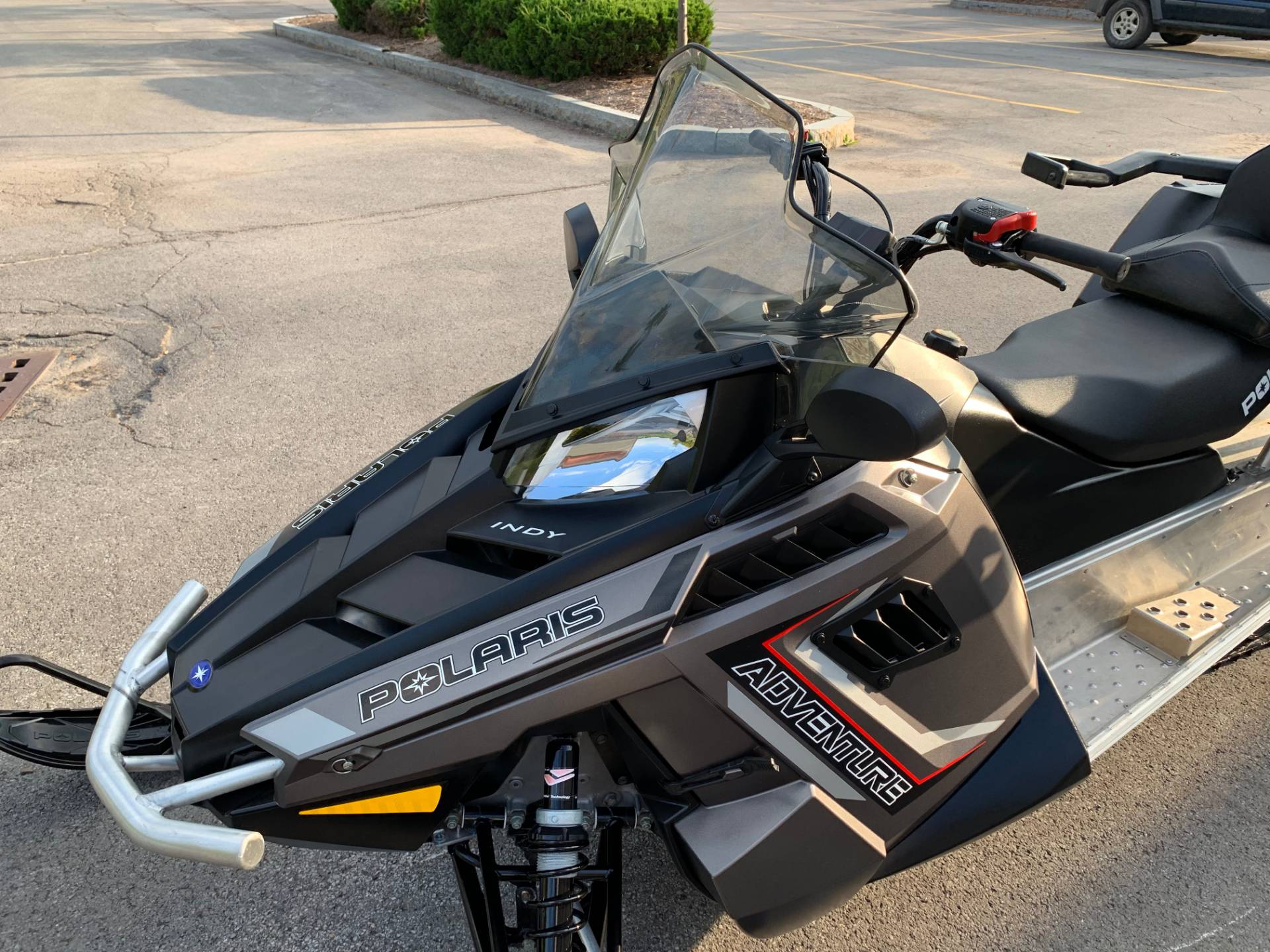 2019 Polaris 550 INDY Adventure 144 ES in Herkimer, New York - Photo 16