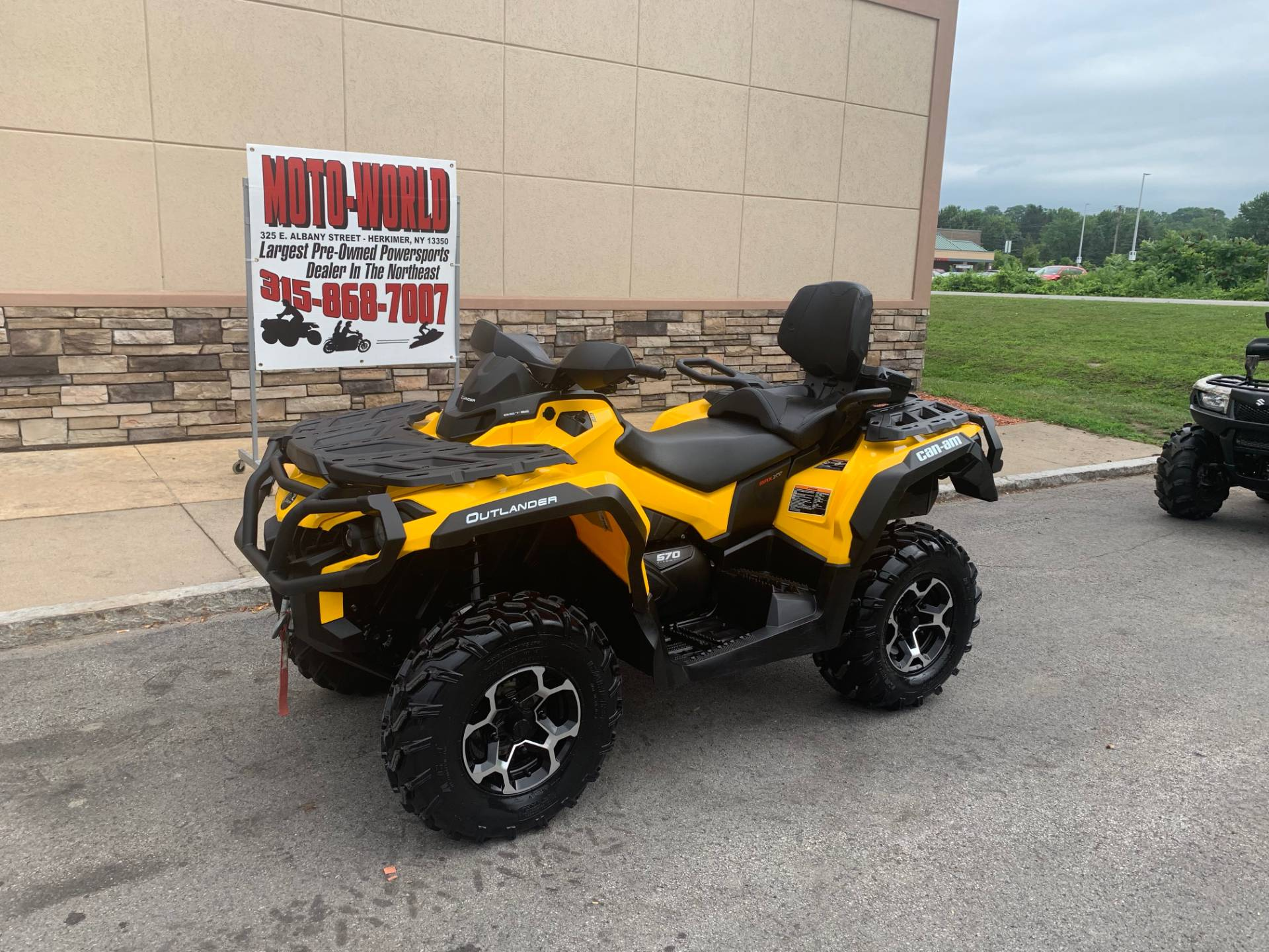 2016 Can-Am Outlander MAX XT 570 in Herkimer, New York - Photo 3