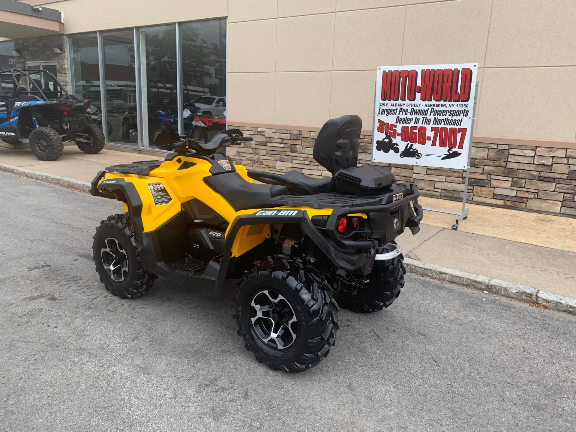 2016 Can-Am Outlander MAX XT 570 in Herkimer, New York - Photo 5