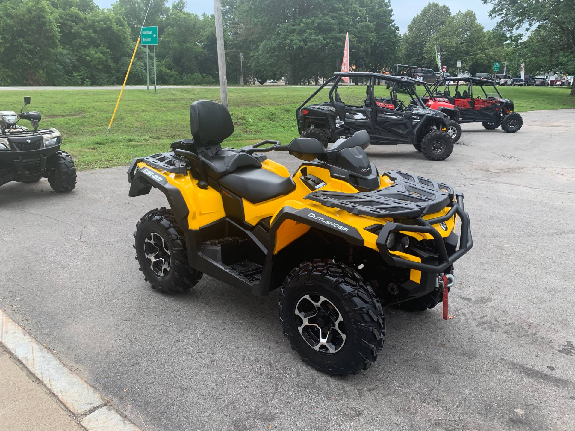 2016 Can-Am Outlander MAX XT 570 in Herkimer, New York - Photo 6