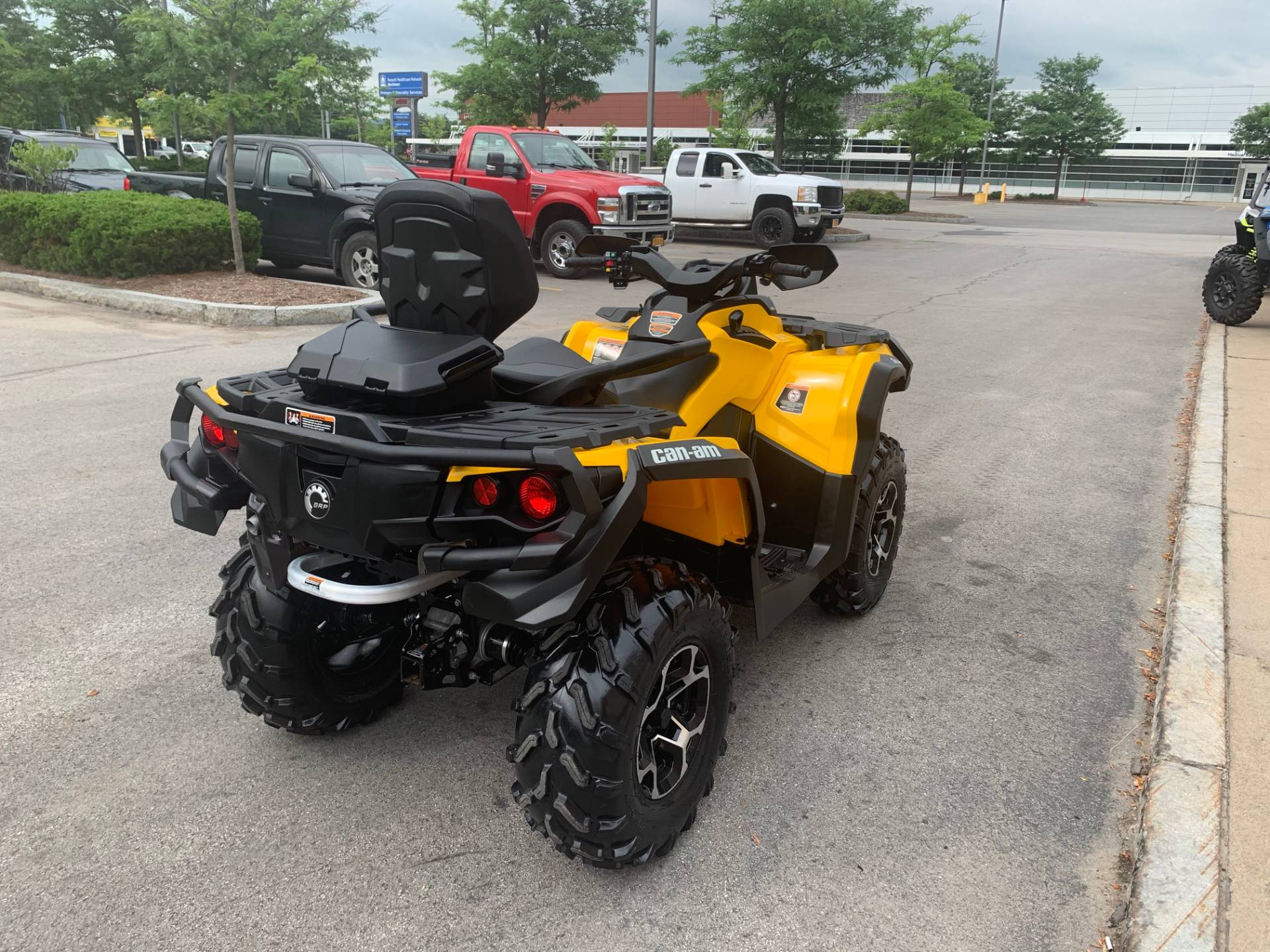 2016 Can-Am Outlander MAX XT 570 in Herkimer, New York - Photo 12