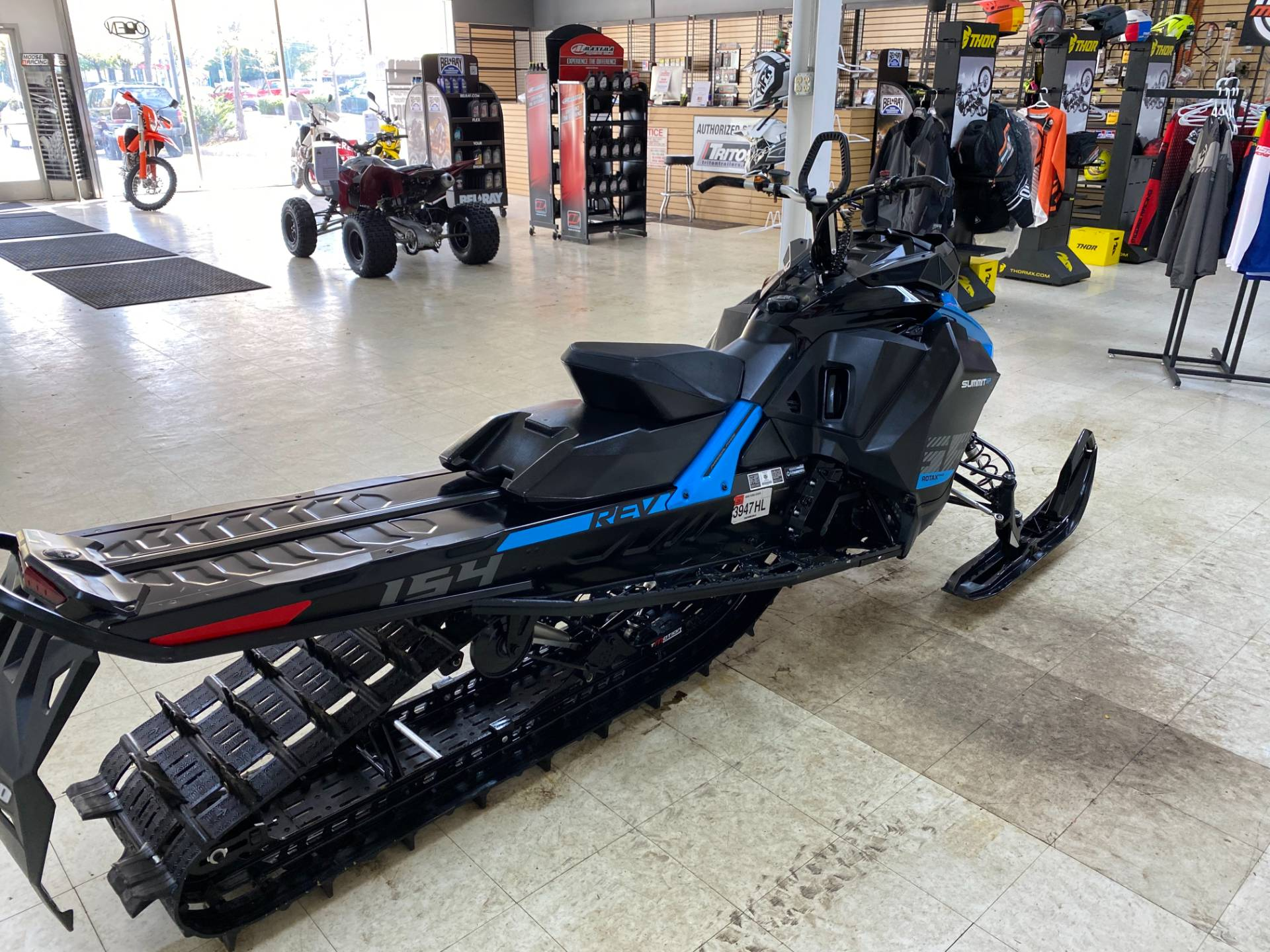 2019 Ski-Doo Summit SP 154 600R E-TEC SHOT PowderMax Light 2.5 w/ FlexEdge in Herkimer, New York - Photo 9