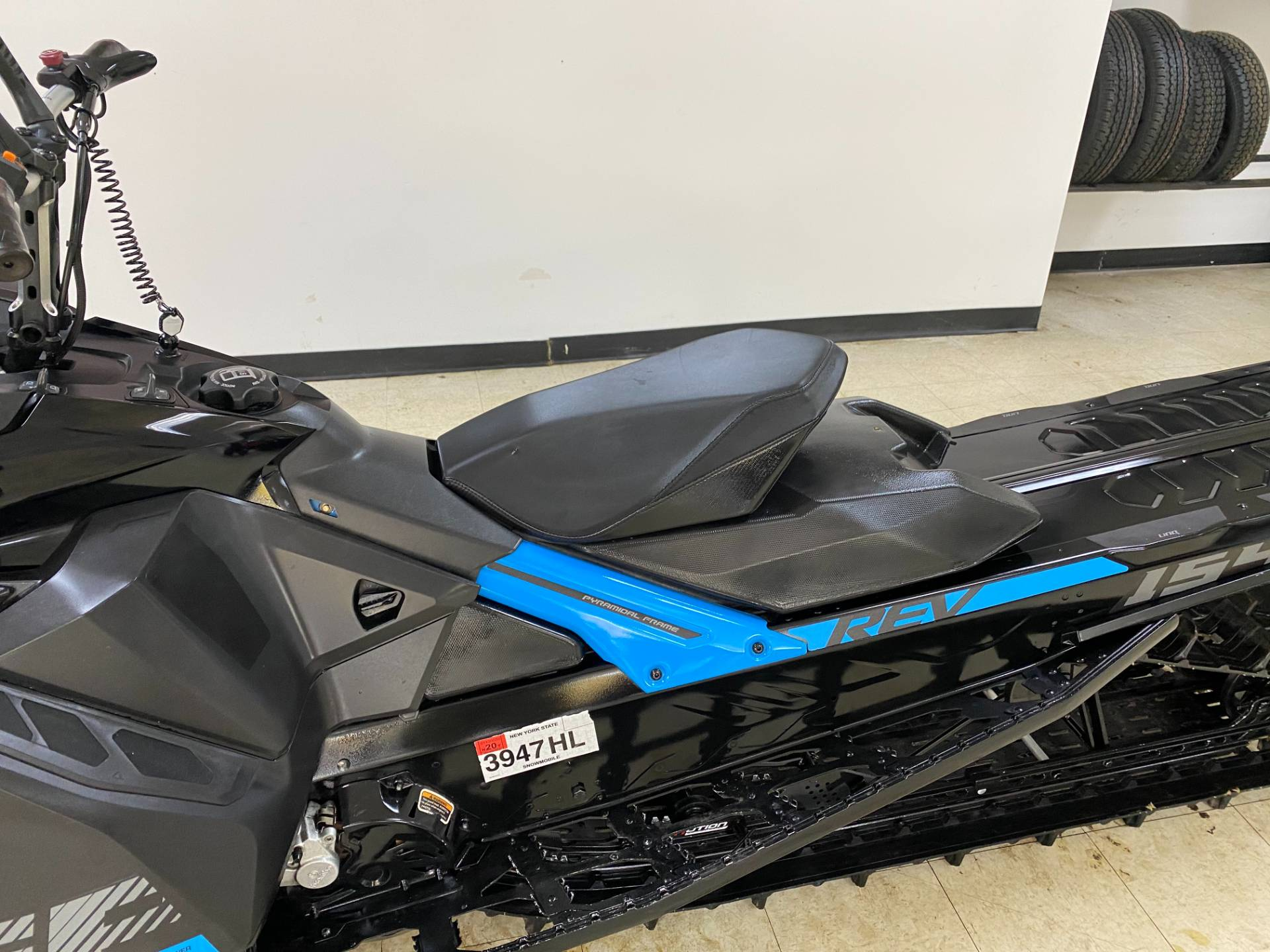 2019 Ski-Doo Summit SP 154 600R E-TEC SHOT PowderMax Light 2.5 w/ FlexEdge in Herkimer, New York - Photo 18