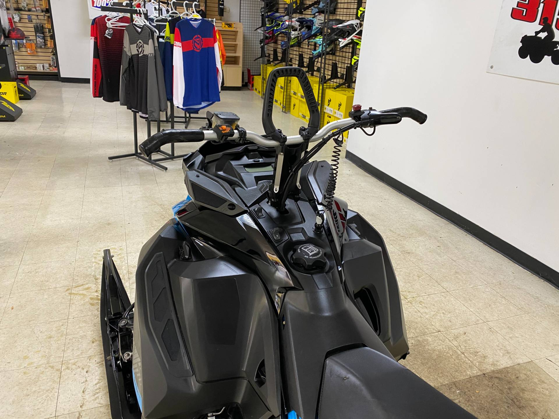 2019 Ski-Doo Summit SP 154 600R E-TEC SHOT PowderMax Light 2.5 w/ FlexEdge in Herkimer, New York - Photo 20
