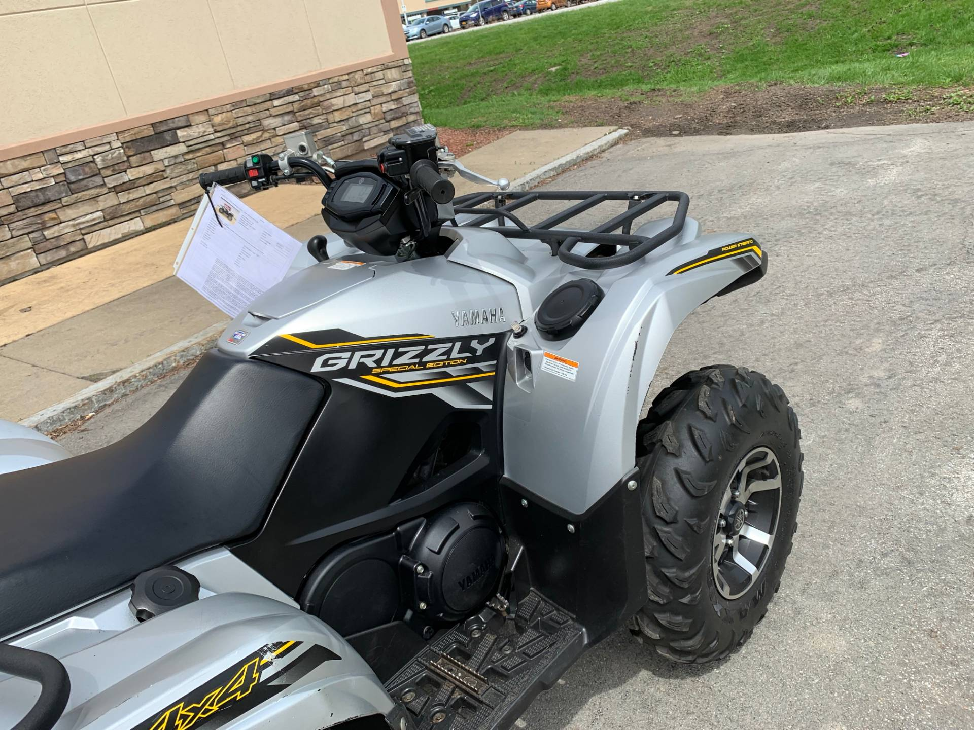 2017 Yamaha Grizzly EPS SE in Herkimer, New York - Photo 13