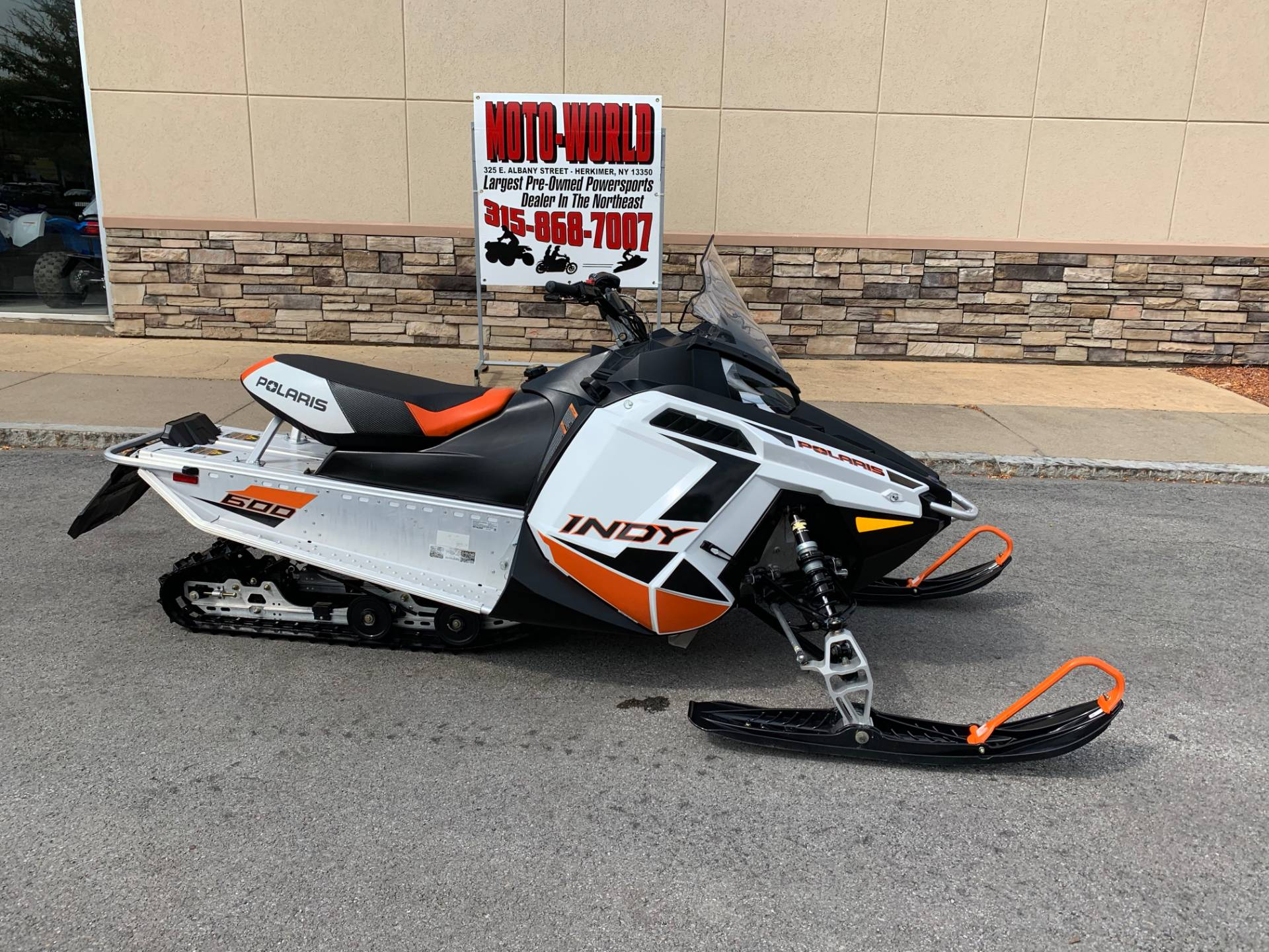2019 Polaris 600 INDY 121 ES in Herkimer, New York - Photo 1