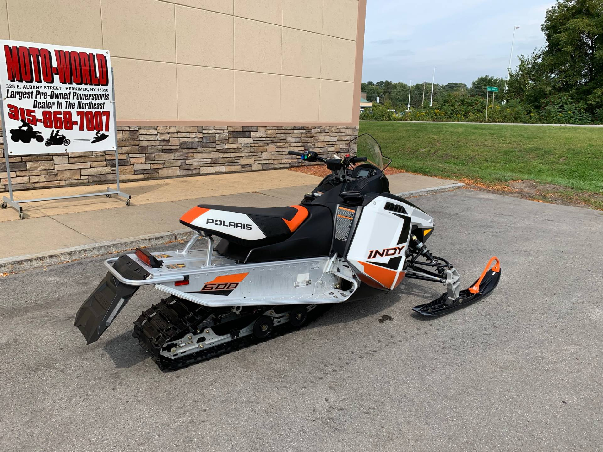 2019 Polaris 600 INDY 121 ES in Herkimer, New York - Photo 3
