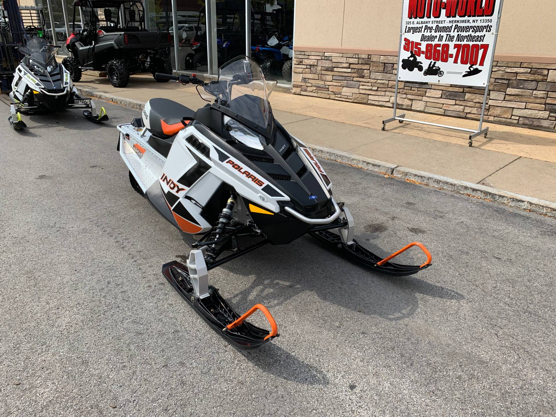 2019 Polaris 600 INDY 121 ES in Herkimer, New York - Photo 9