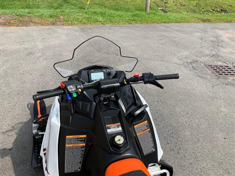 2019 Polaris 600 INDY 121 ES in Herkimer, New York - Photo 21