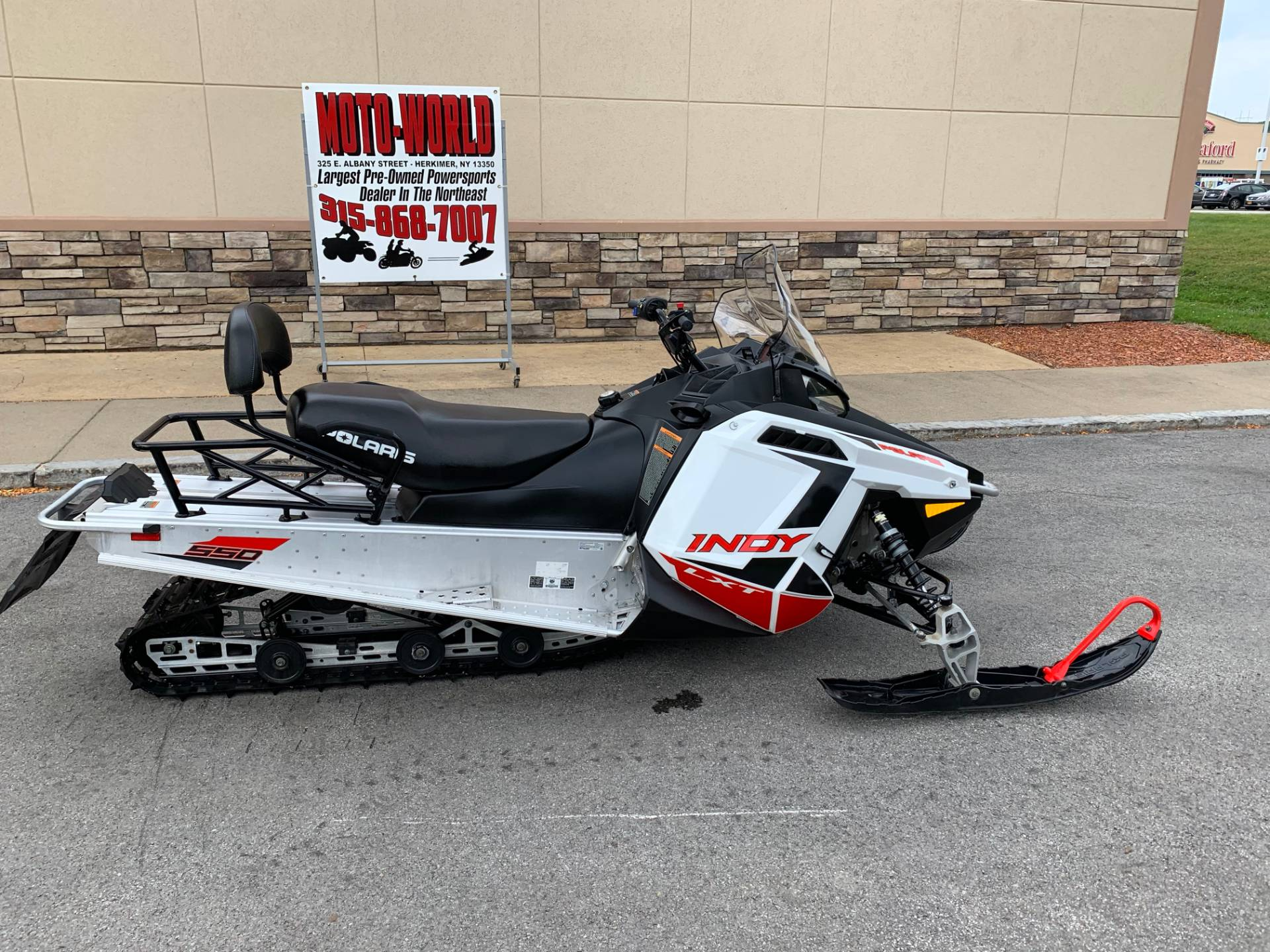 2019 Polaris 550 INDY LXT ES in Herkimer, New York - Photo 8