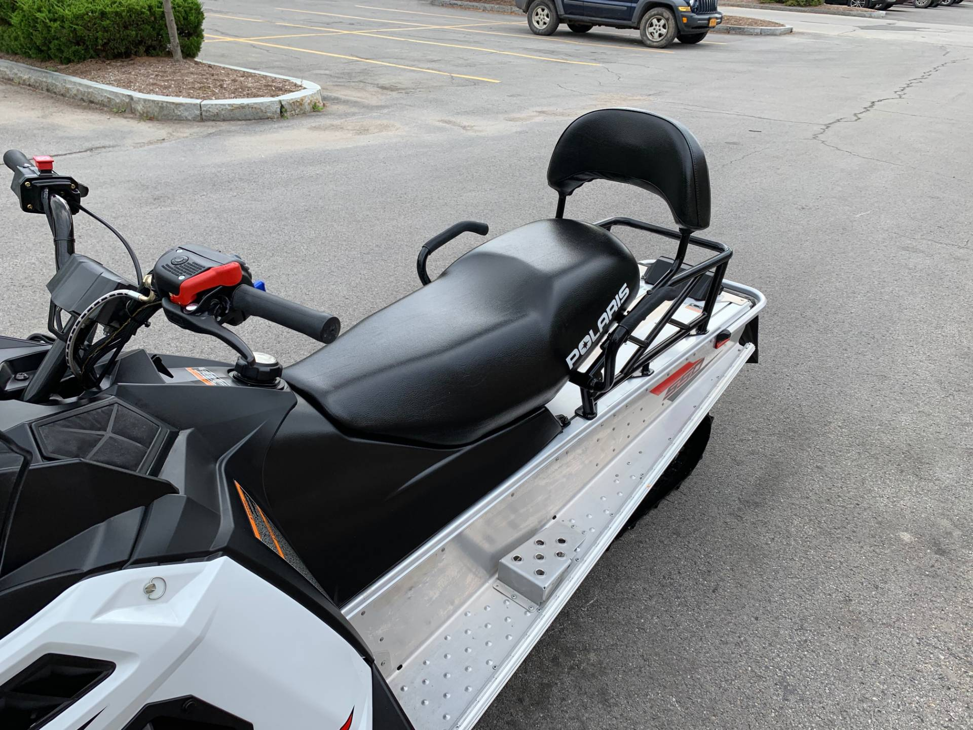 2019 Polaris 550 INDY LXT ES in Herkimer, New York - Photo 14