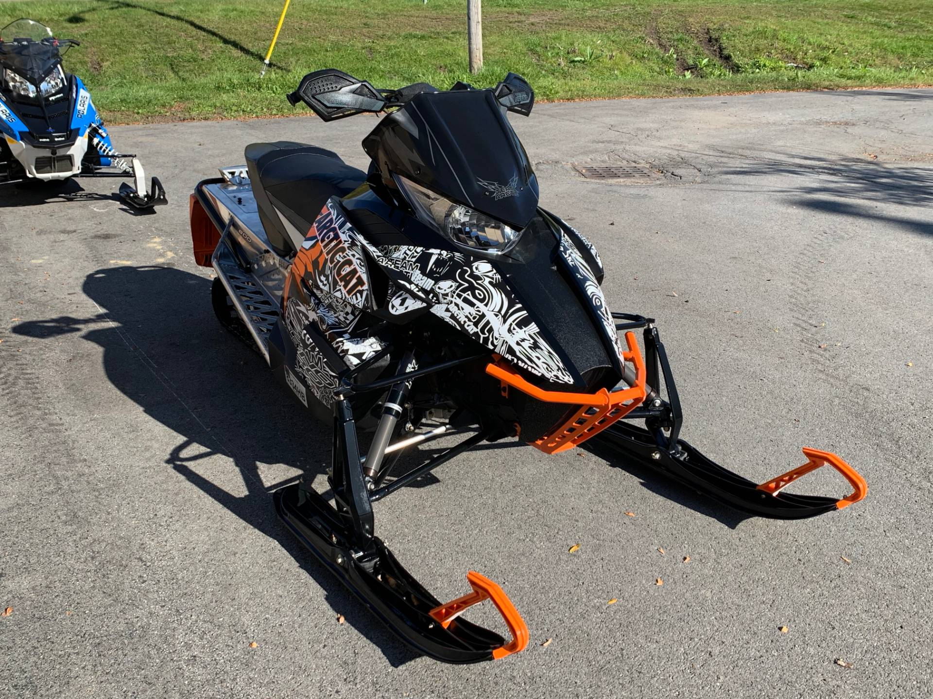 2014 Arctic Cat ZR® 8000 LXR ES in Herkimer, New York - Photo 2