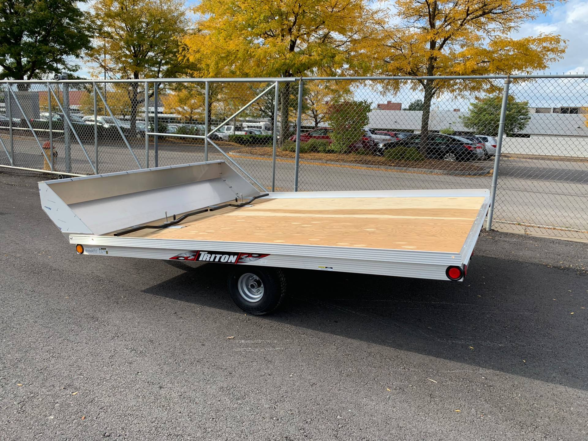 2019 Triton Trailers XT10-101 QP in Herkimer, New York - Photo 2