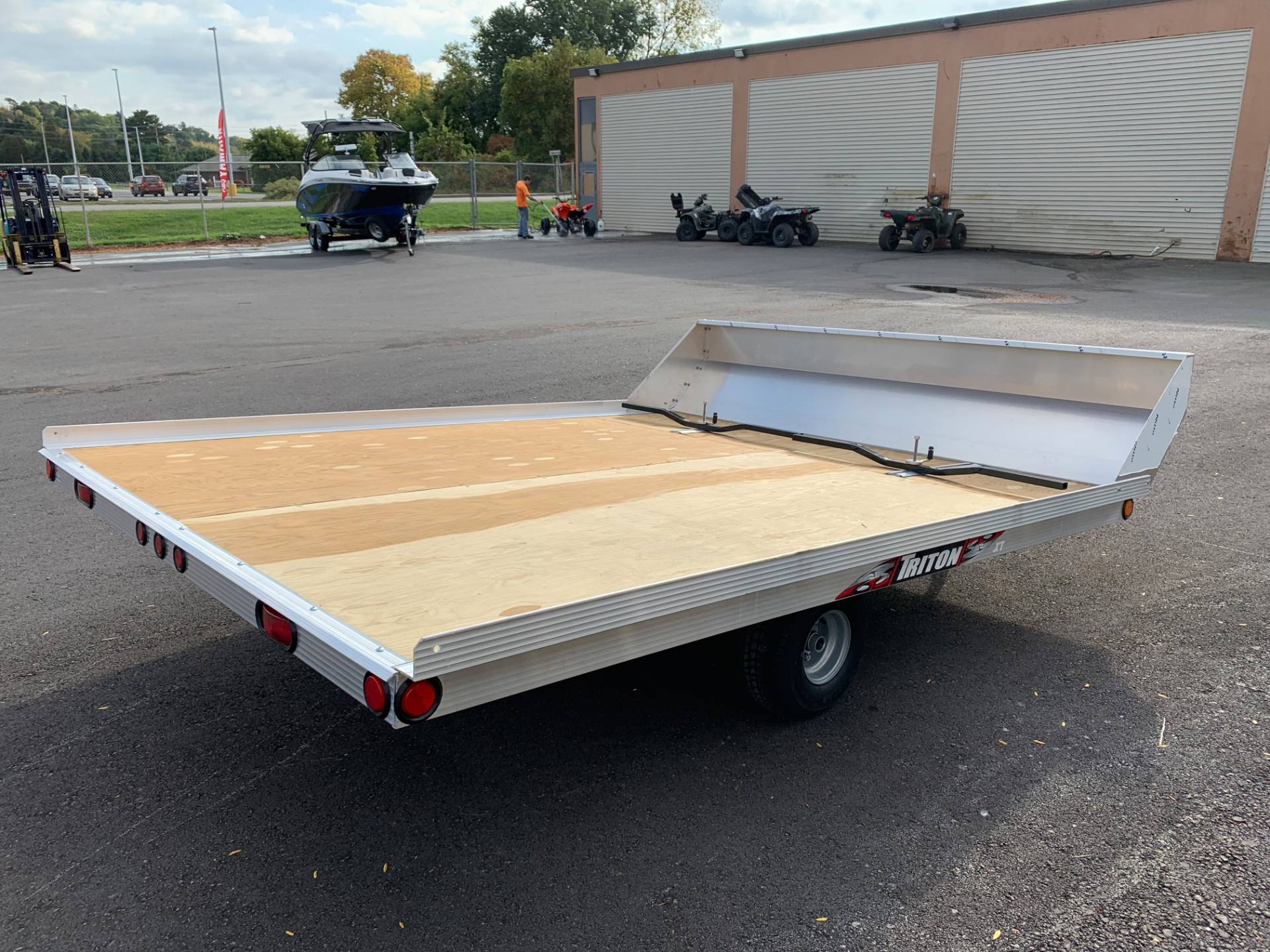 2019 Triton Trailers XT10-101 QP in Herkimer, New York - Photo 3