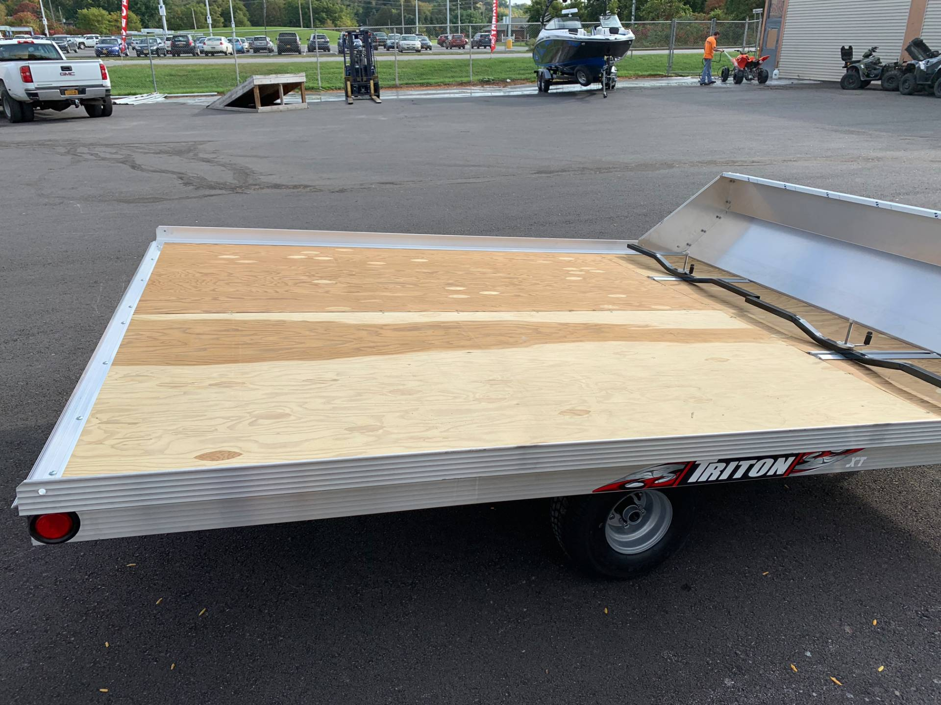 2019 Triton Trailers XT10-101 QP in Herkimer, New York - Photo 4