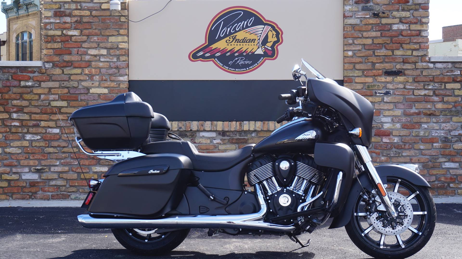 2020 Indian Roadmaster® Dark Horse® in Racine, Wisconsin - Photo 1