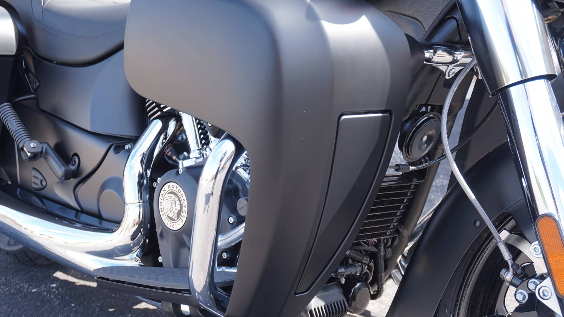 2020 Indian Roadmaster® Dark Horse® in Racine, Wisconsin - Photo 5
