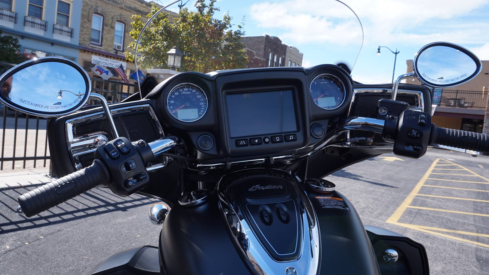 2020 Indian Roadmaster® Dark Horse® in Racine, Wisconsin - Photo 31