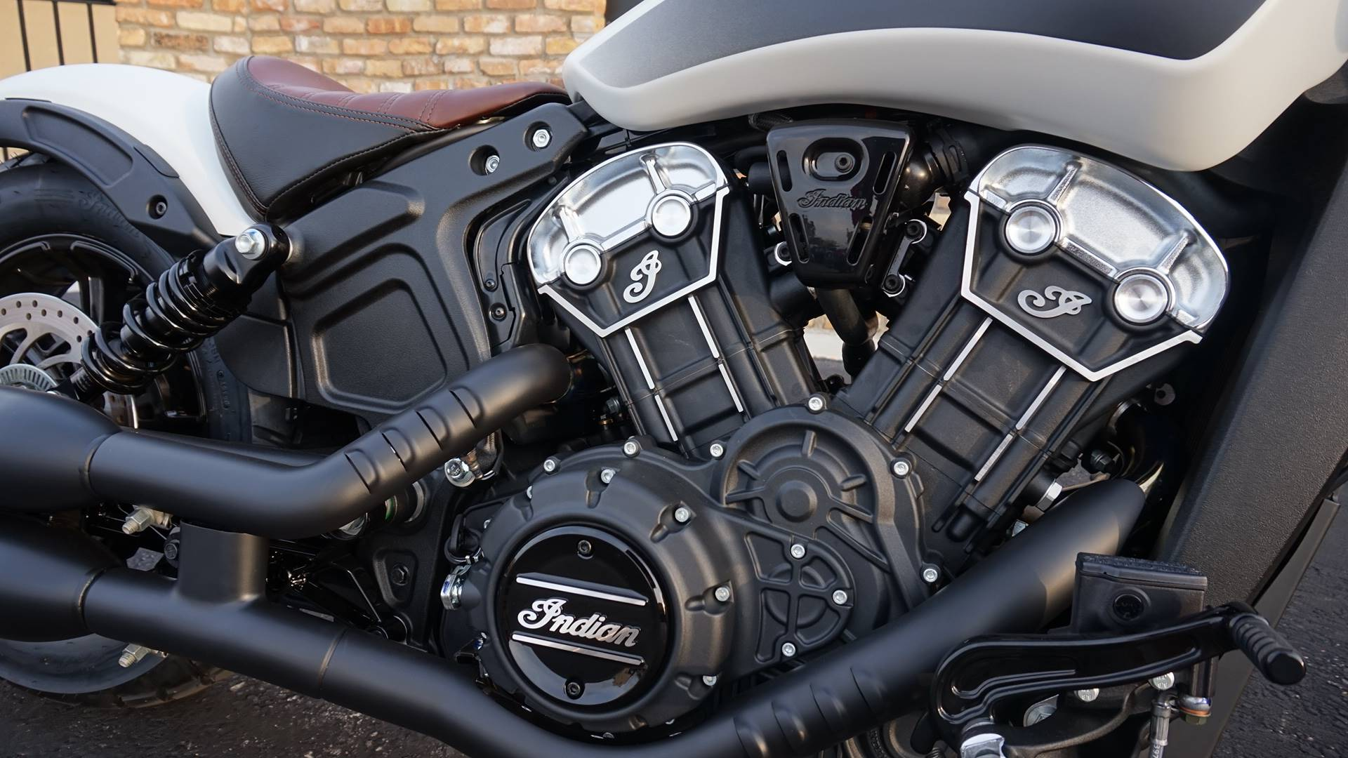 2019 Indian Scout® Bobber ABS in Racine, Wisconsin - Photo 4