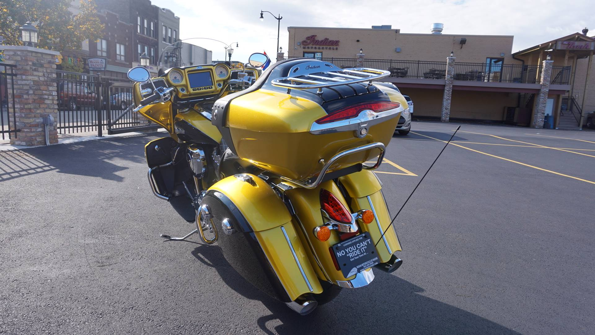 2018 Indian Roadmaster® Icon Series in Racine, Wisconsin - Photo 15