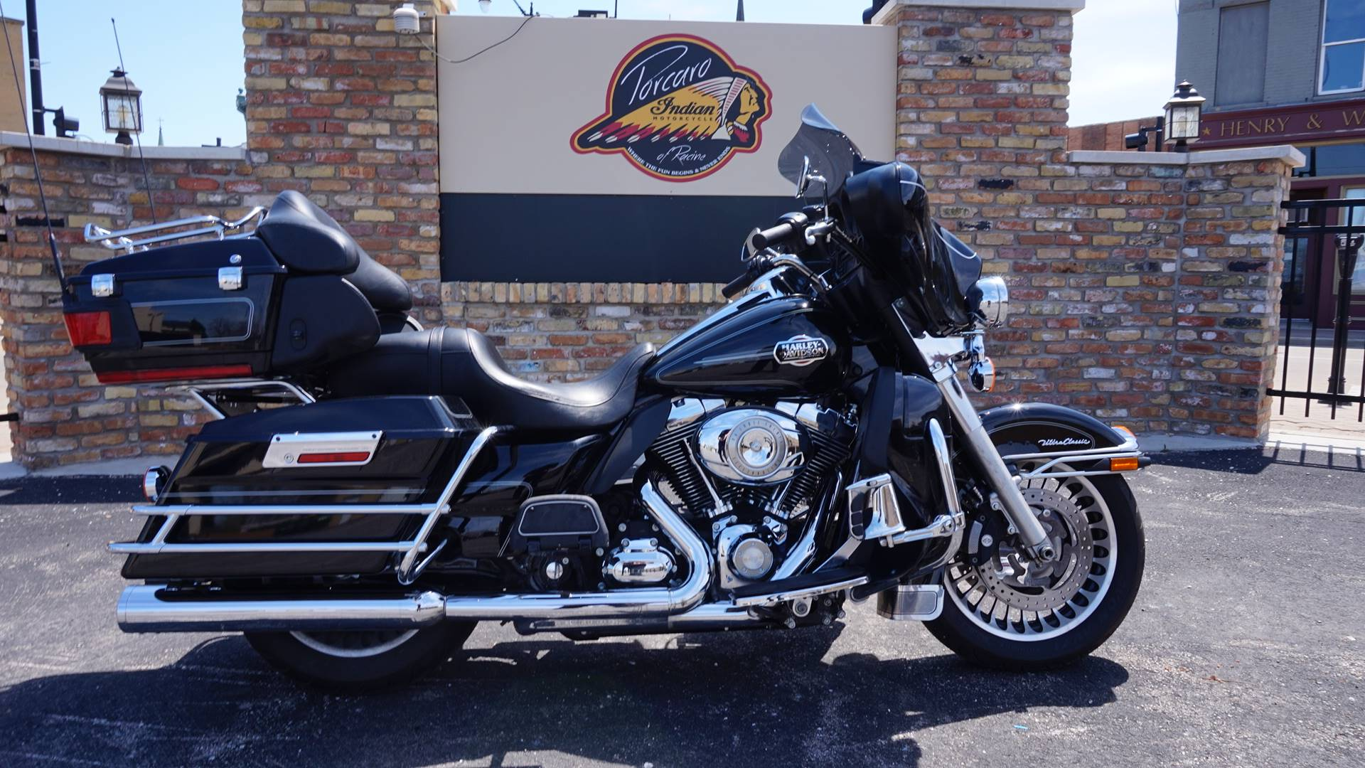 2010 Harley-Davidson Ultra Classic® Electra Glide® in Racine, Wisconsin - Photo 1