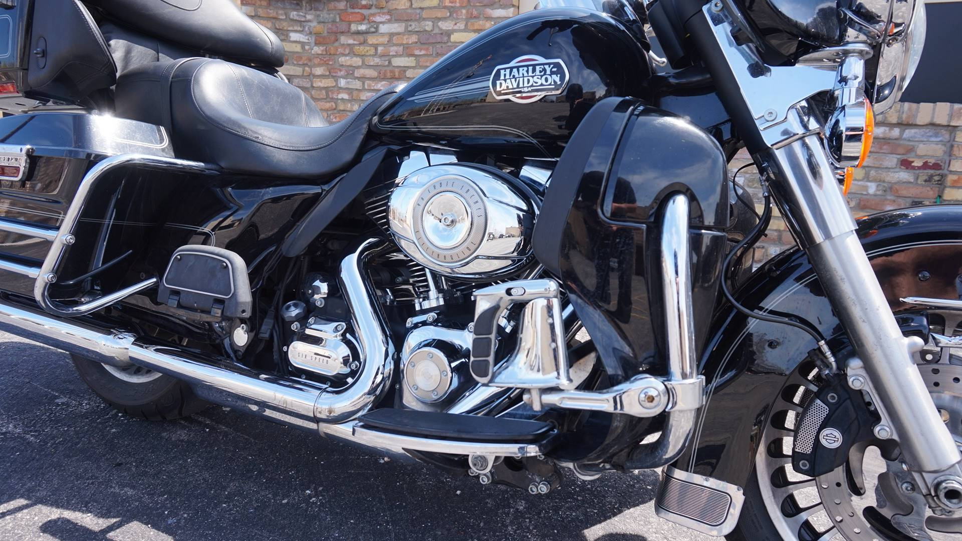 2010 Harley-Davidson Ultra Classic® Electra Glide® in Racine, Wisconsin - Photo 3