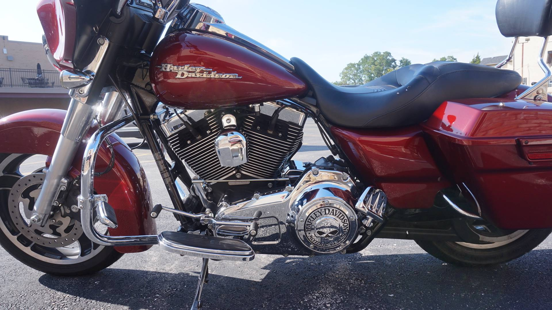 2010 Harley-Davidson Street Glide® in Racine, Wisconsin - Photo 18