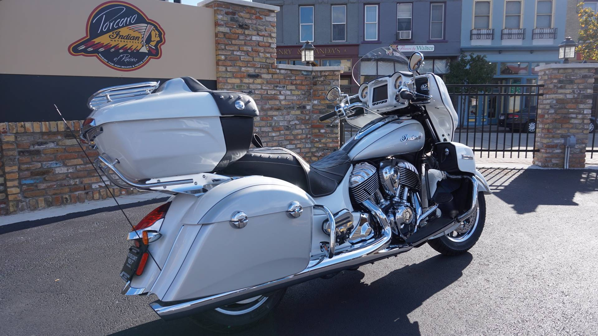 2018 Indian Roadmaster® ABS in Racine, Wisconsin - Photo 16