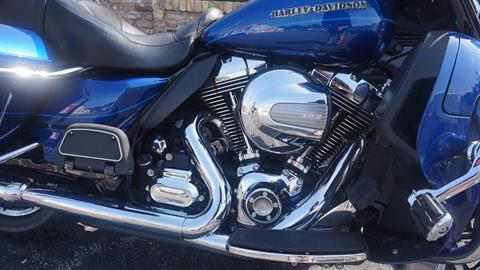 2015 Harley-Davidson Ultra Limited in Racine, Wisconsin - Photo 2