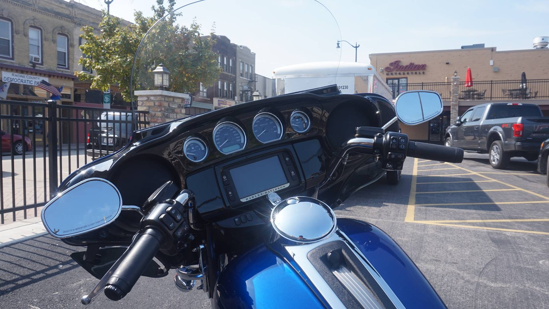 2015 Harley-Davidson Ultra Limited in Racine, Wisconsin - Photo 17