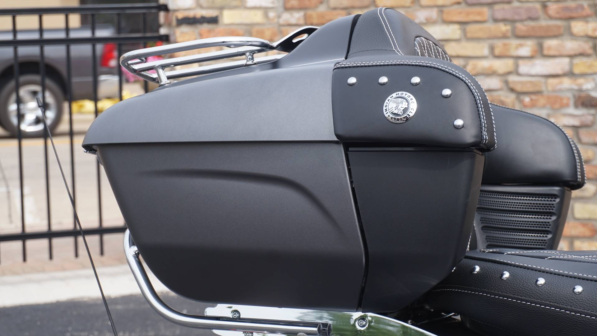 2019 Indian Roadmaster® ABS in Racine, Wisconsin - Photo 9