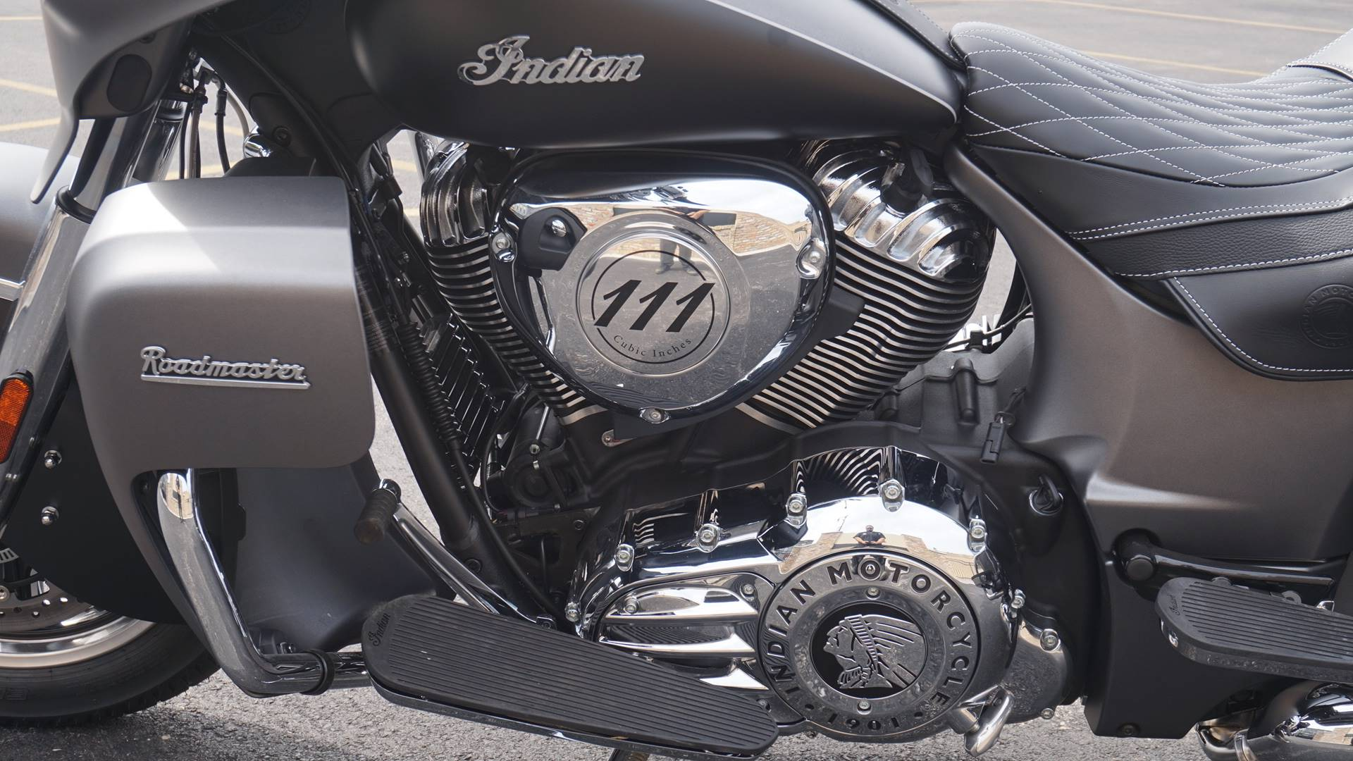 2019 Indian Roadmaster® ABS in Racine, Wisconsin - Photo 17