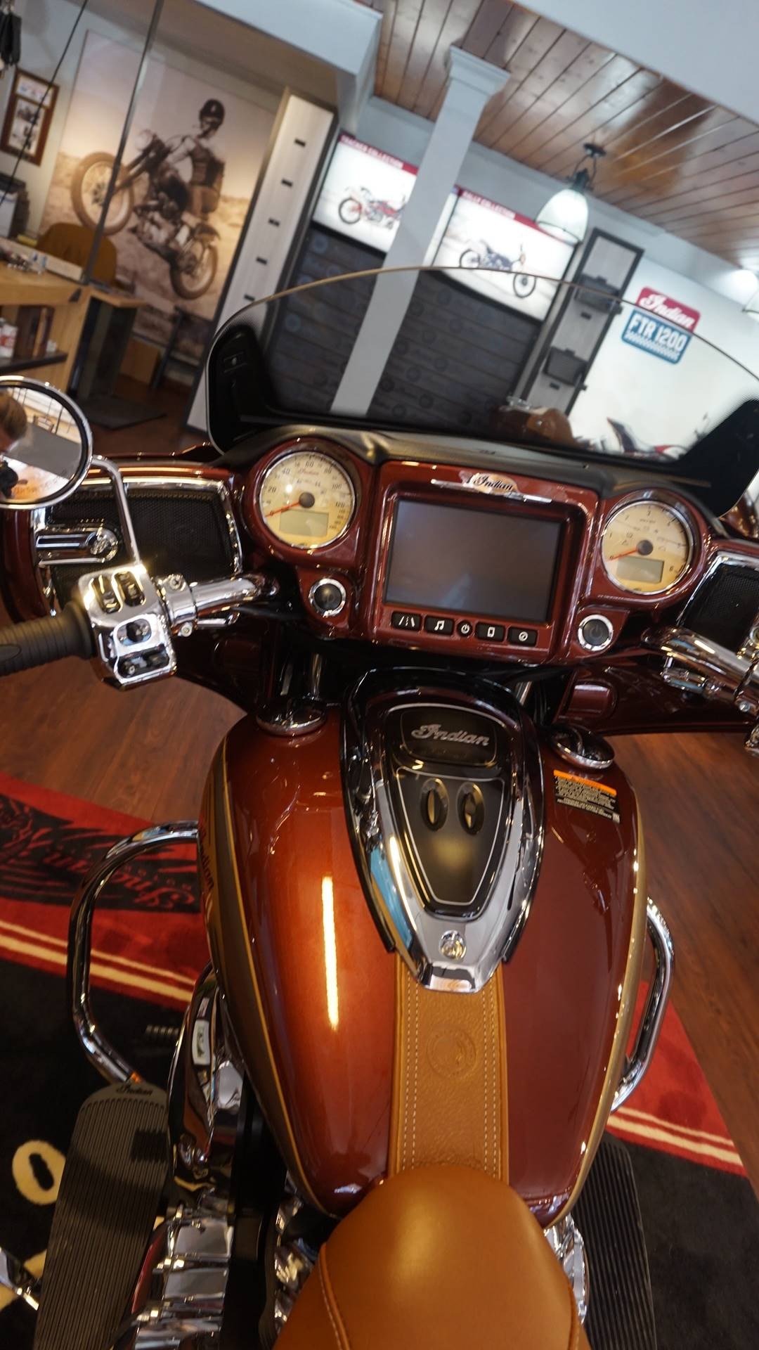 2019 Indian Chieftain® Classic Icon Series in Racine, Wisconsin - Photo 9