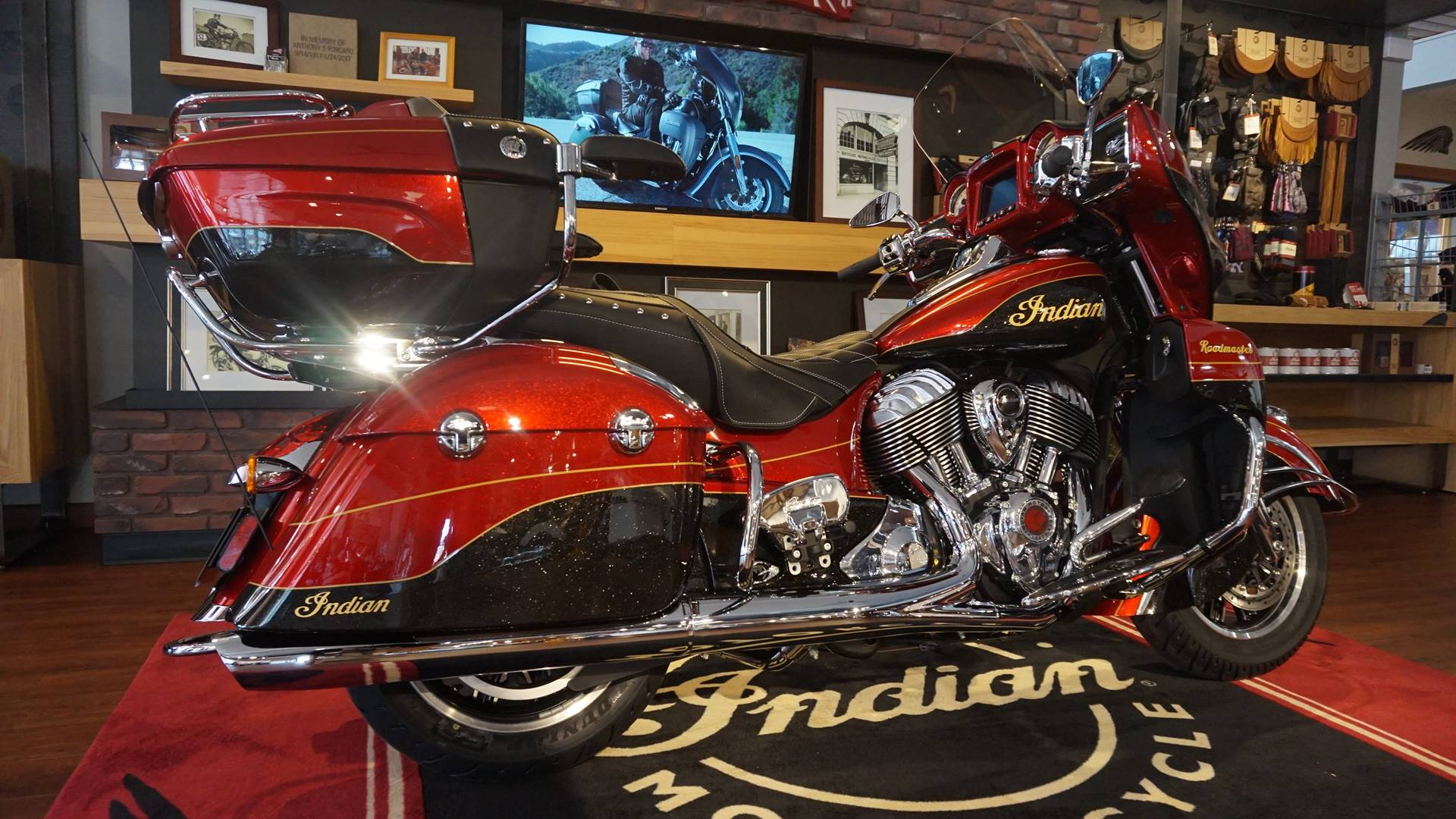 2019 Indian Roadmaster® Elite ABS in Racine, Wisconsin - Photo 6