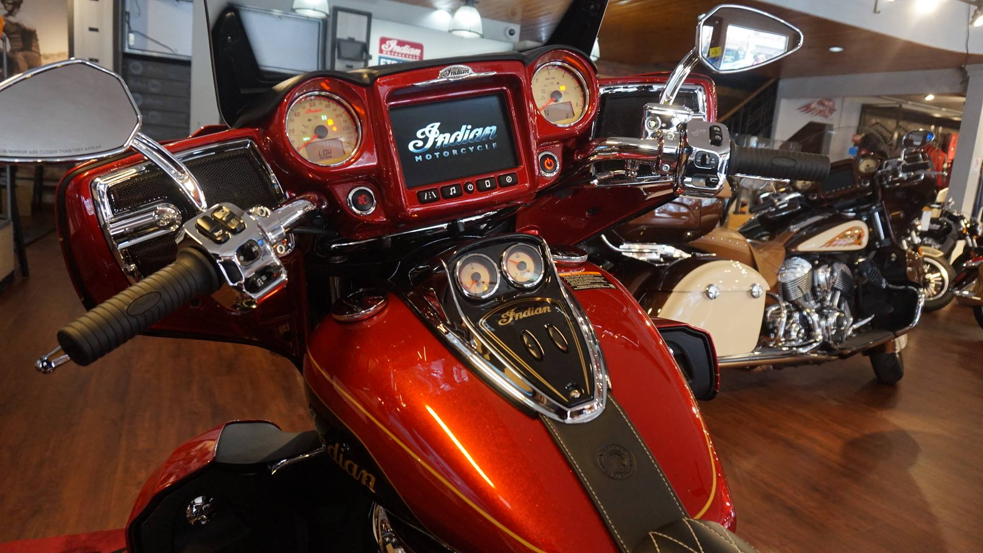 2019 Indian Roadmaster® Elite ABS in Racine, Wisconsin - Photo 8