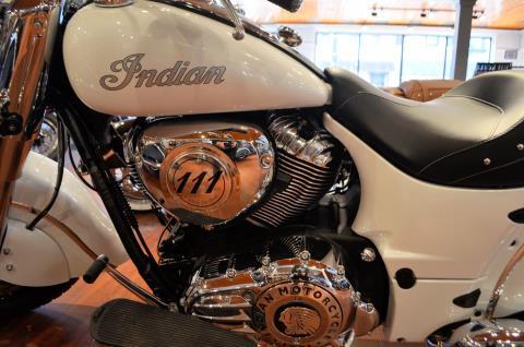 2016 Indian Chief® Classic in Racine, Wisconsin