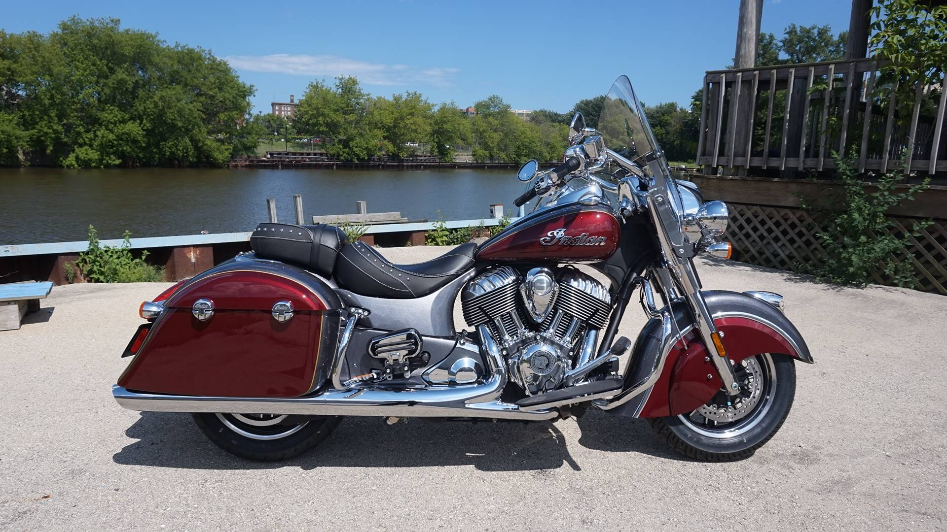 2017 Indian Springfield™ in Racine, Wisconsin