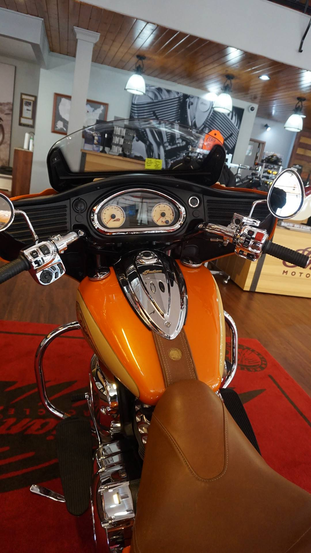 2016 Indian CHIEFTAIN in Racine, Wisconsin