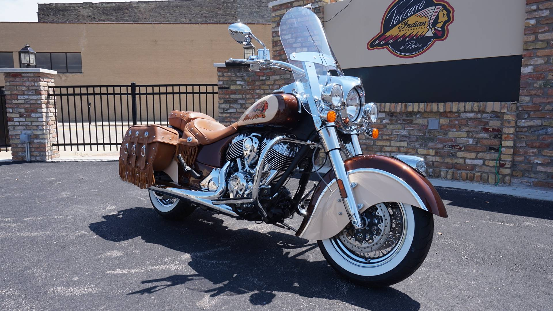2018 Indian Chief® Vintage ABS in Racine, Wisconsin - Photo 2